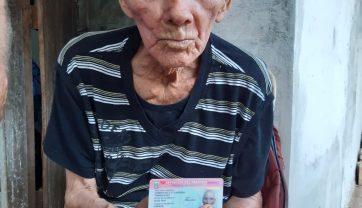 Abuelito de 85 años obtiene por primera vez su Cédula de Identidad