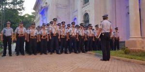 400 policías brindarán servicios en supermercados de la capital y central