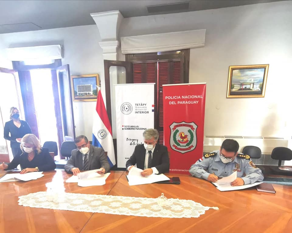 Firma  de Convenio de Cooperación Interinstitucional entre la Secretaría Nacional Anticorrupción, el Ministerio del Interior, la Policía Nacional y la Dirección de Migraciones.